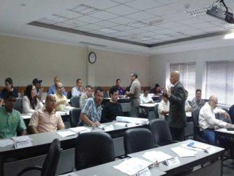Cursos y seminarios profesionales para ingenieros y técnicos en mantenimiento industrial